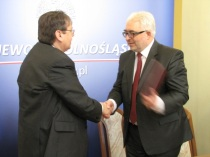 13-02-15 Wroclaw - podpis dodatku (4)